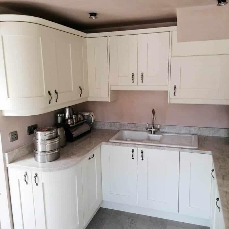 Amber Kitchens Ltd18